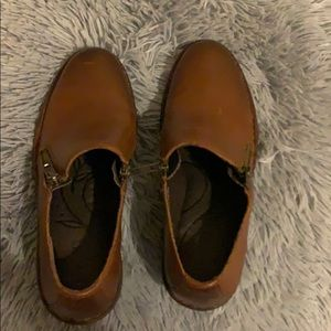 Born brown leather shoes